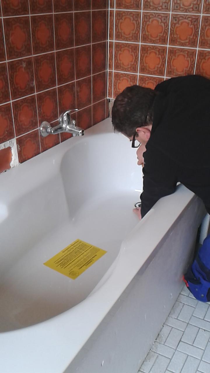 Neues Badezimmer Badewanne In Wannentrager Einbauen